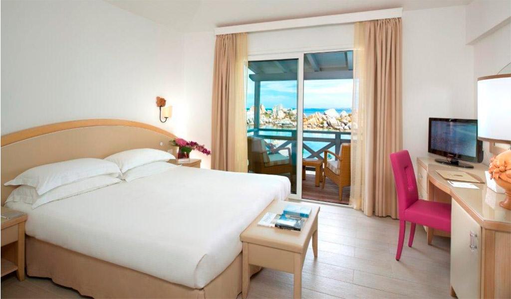 Căn phòng đầy tiện nghi của Hotel & Spa Des Pecheurs.