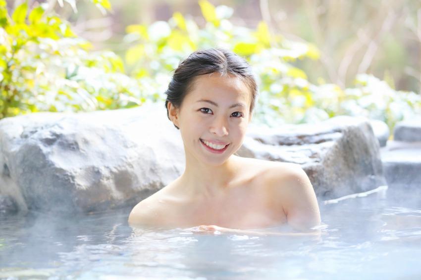 Thói quen tắm nước nóng cũng giúp giảm cân