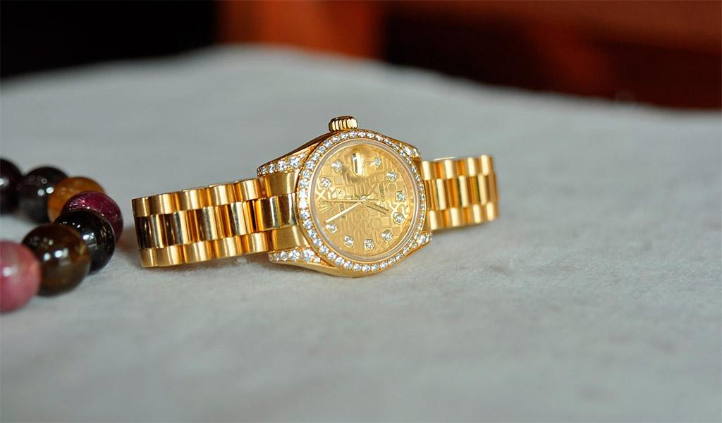 Đồng hồ nữ thời trang cao cấp Rolex.