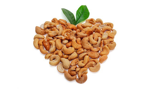 Trong hạt điều có chứa 82% chất béo có lợi, và các dưỡng chất cần thiết cơ thể.