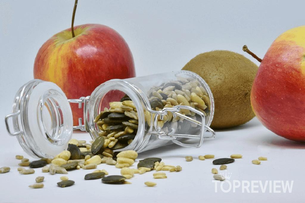 Các loại hạt, ngũ cốc cung cấp chất xơ và chất chống oxy hóa cho cơ thể.