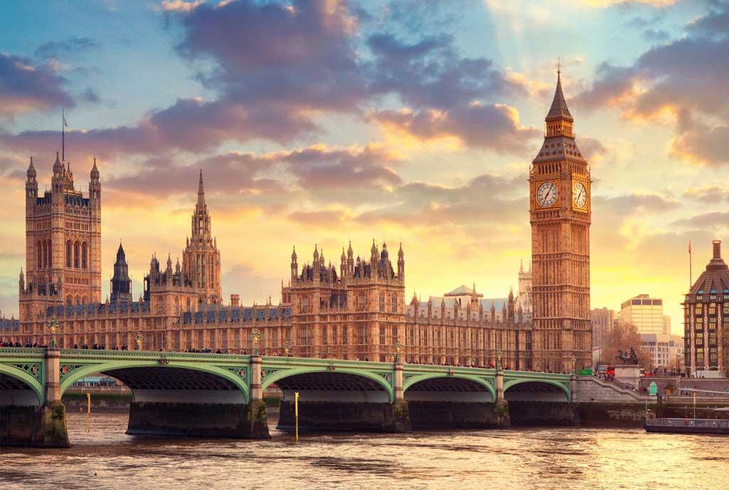 Tháp đồng hồ Big Ben ở London