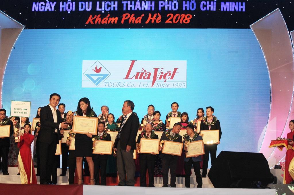 Công ty Dã Ngoại Lửa Việt