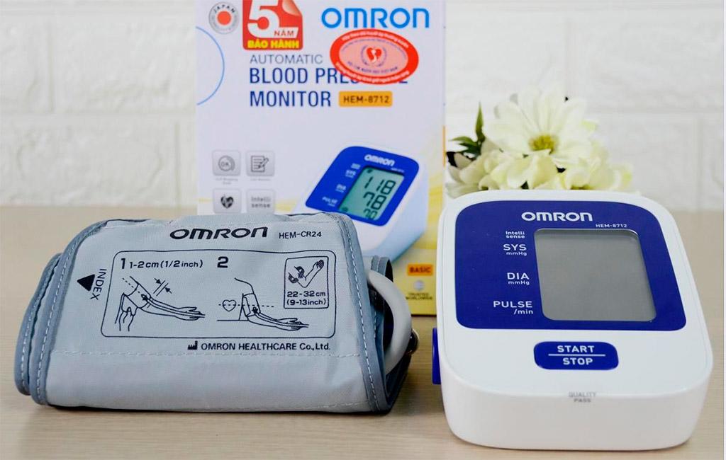 Dụng cụ đo huyết áp Omron Hem 8712