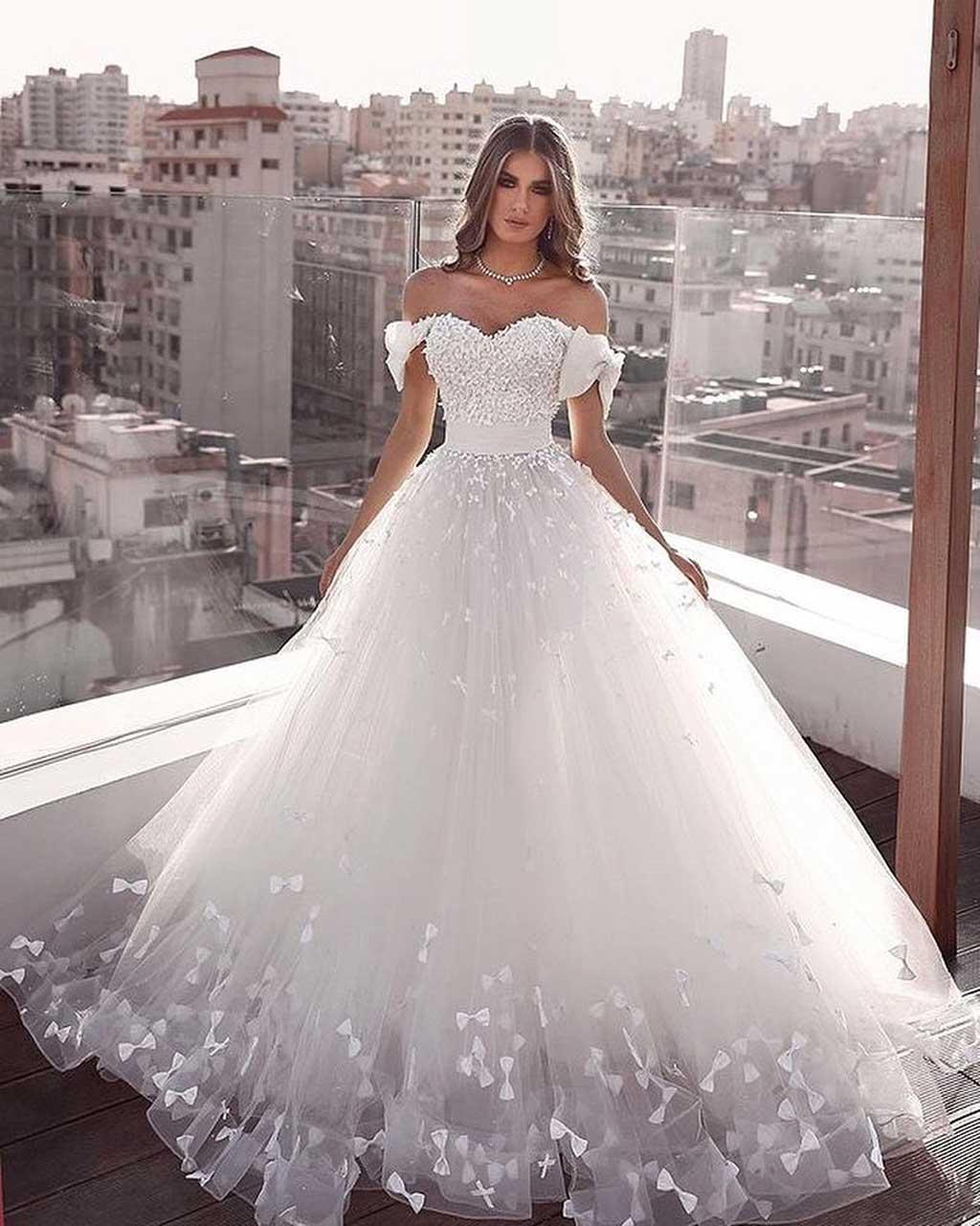 Váy cưới dáng bồng công chúa