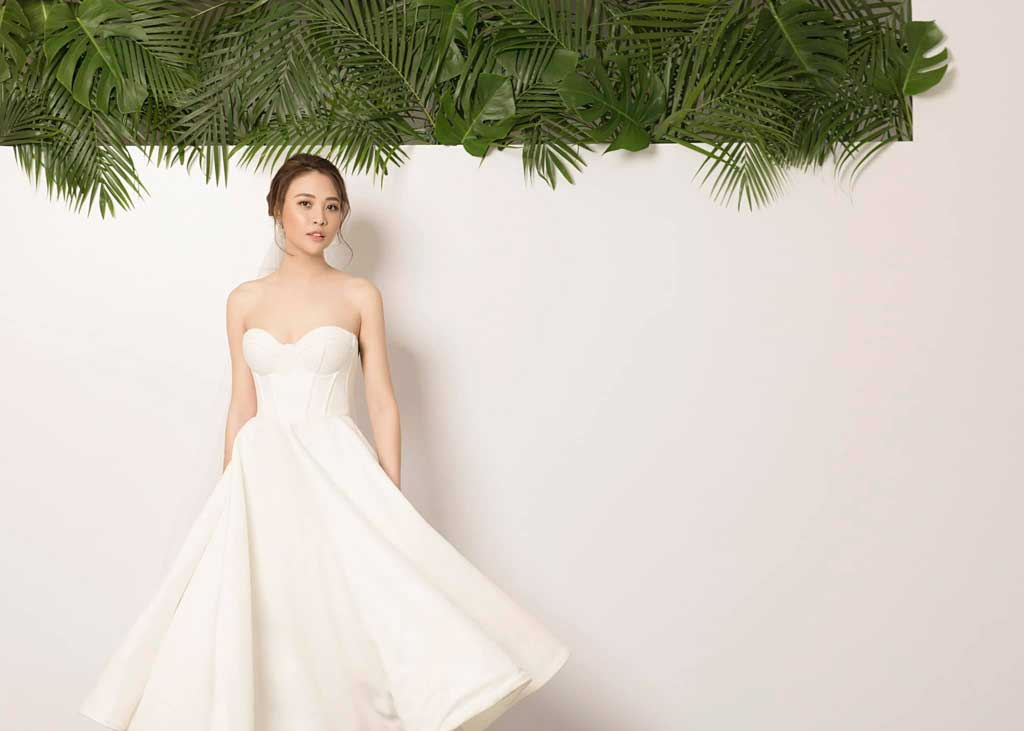 Váy cưới cách tân hiện đại