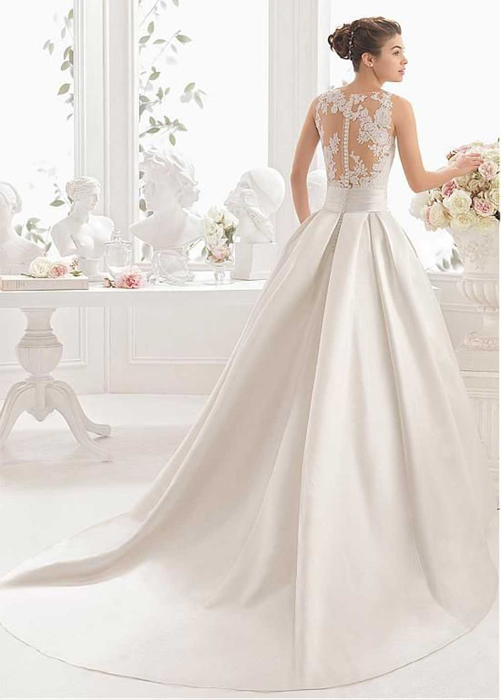 mẫu váy cưới dáng A xòe nhẹ