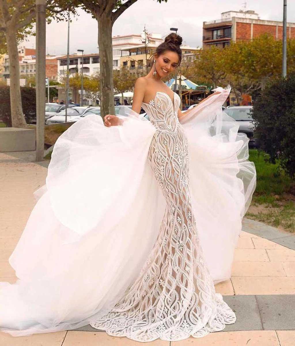váy cưới đuôi cá không cổ quý phái