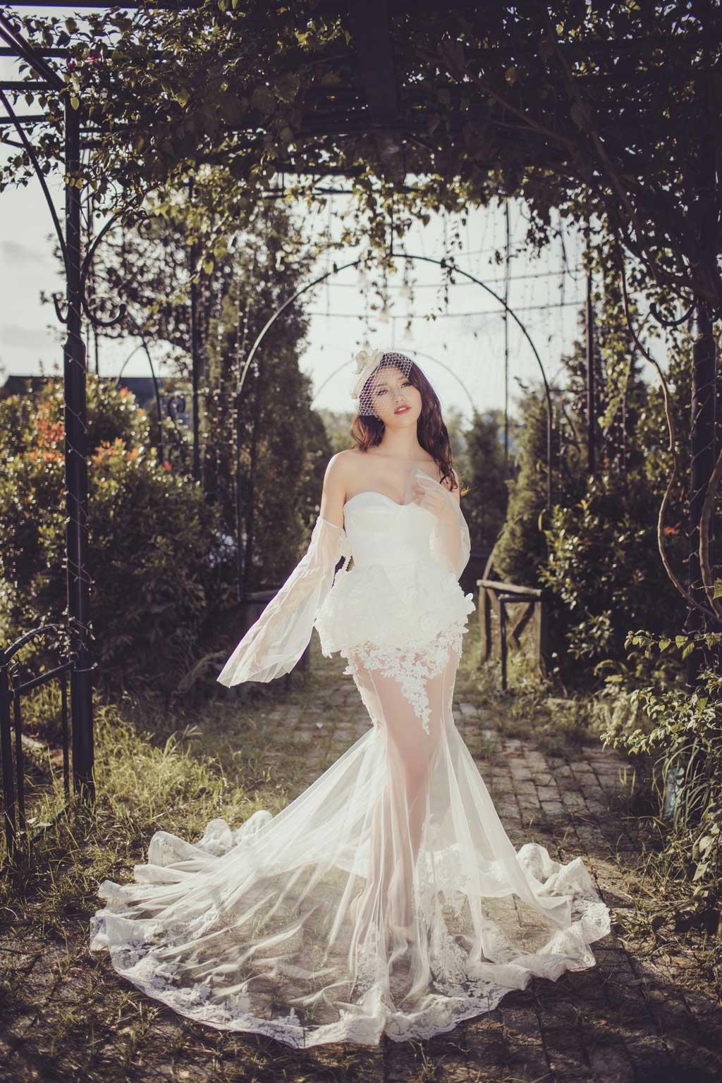 Váy cưới ngắn đuôi cá dài quyến rũ