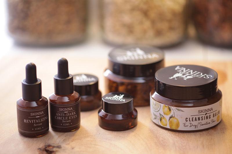 Sản phẩm chăm sóc da Skinna có chứa từ 70 - 95% thành phần thiên nhiên