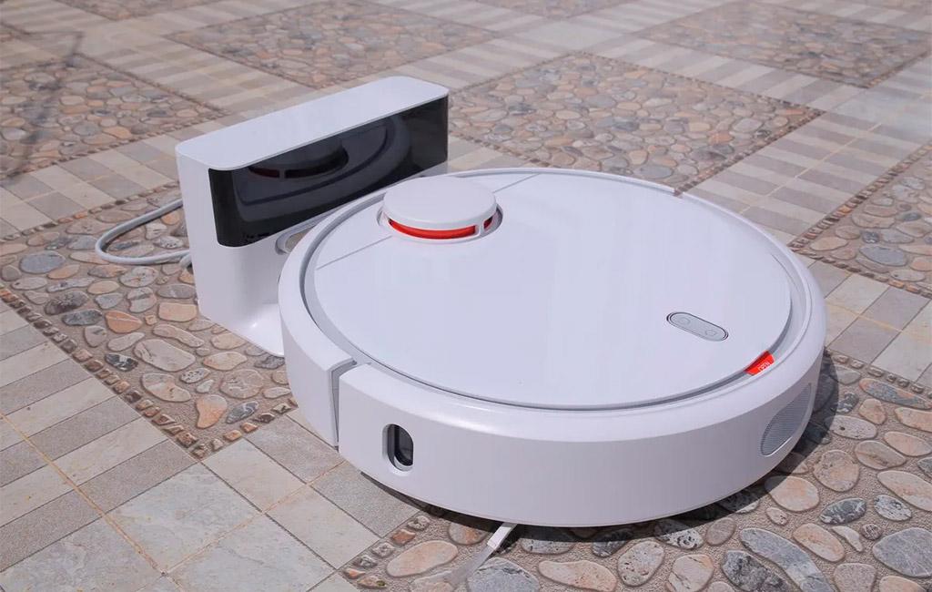 Máy hút bụi robot tự tìm đến nơi sạc