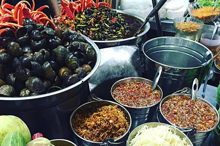 Quán ốc ngon ở Đà nẵng không thể thiếu Ốc hút đĩa bay.