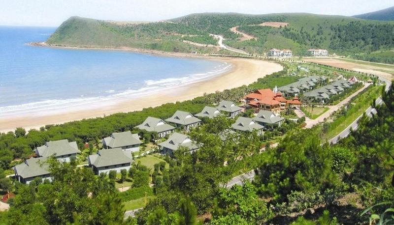 Bãi Lữ, sự kết hợp hoàn hảo giữa núi rừng và biển cả.