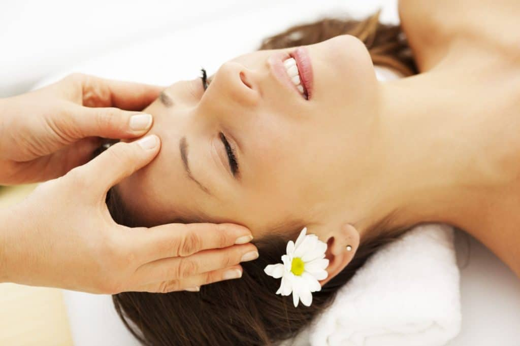 Masage giúp bạn thoải mái, thư giãn đầu óc