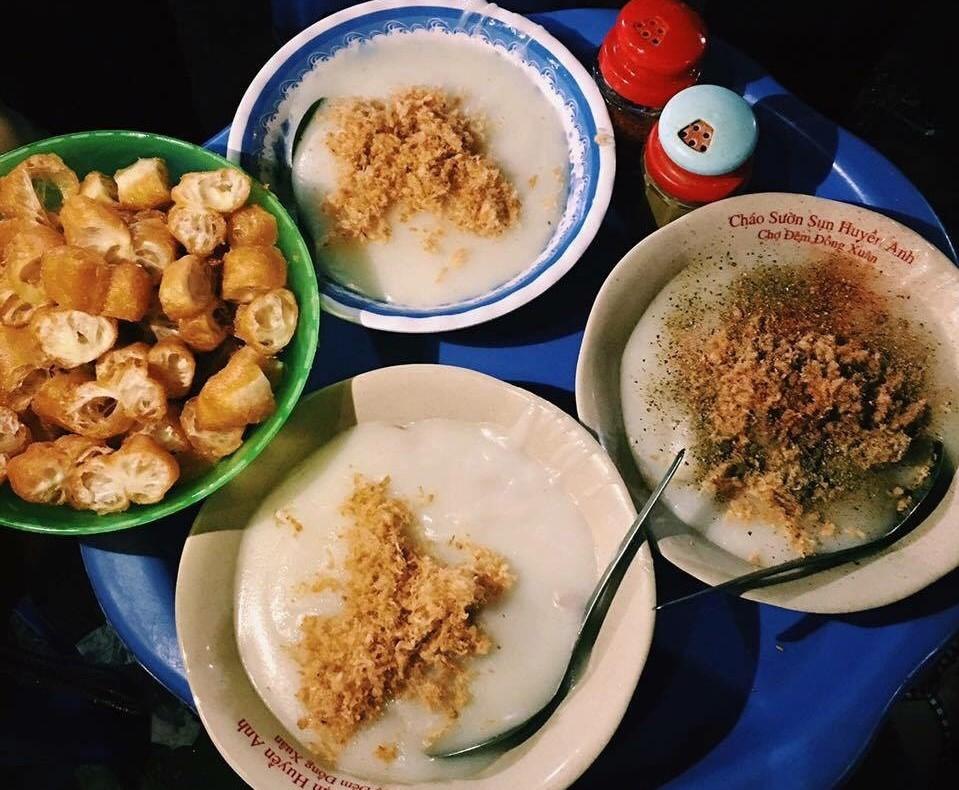 Cháo sườn sụn chợ Đồng Xuân thơm ngon, đặc sánh