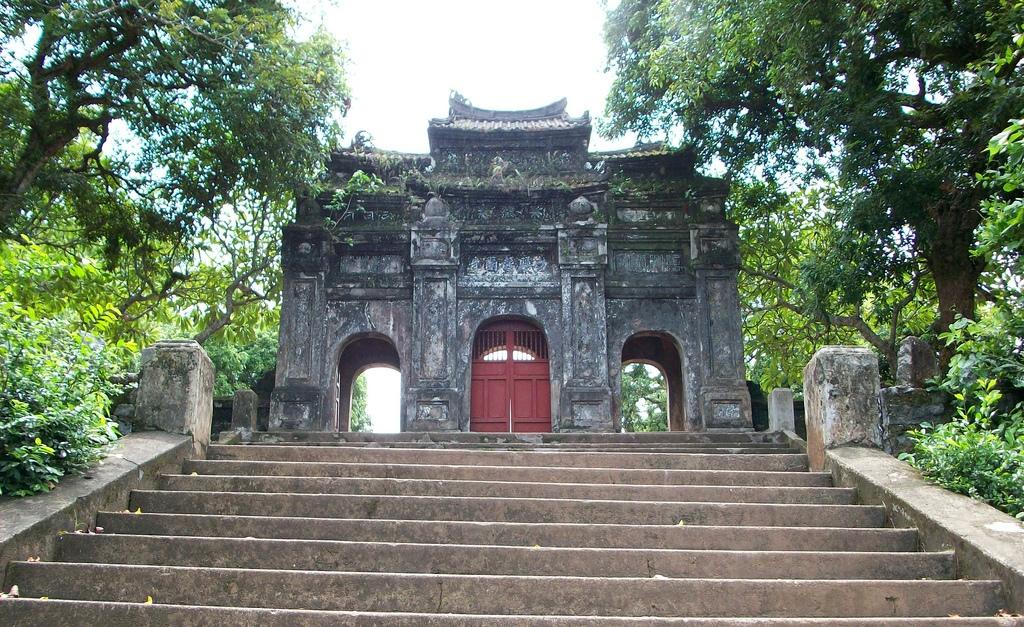 Chùa Thiên Mụ - ngôi chùa đẹp và cổ kính nhất tại Huế
