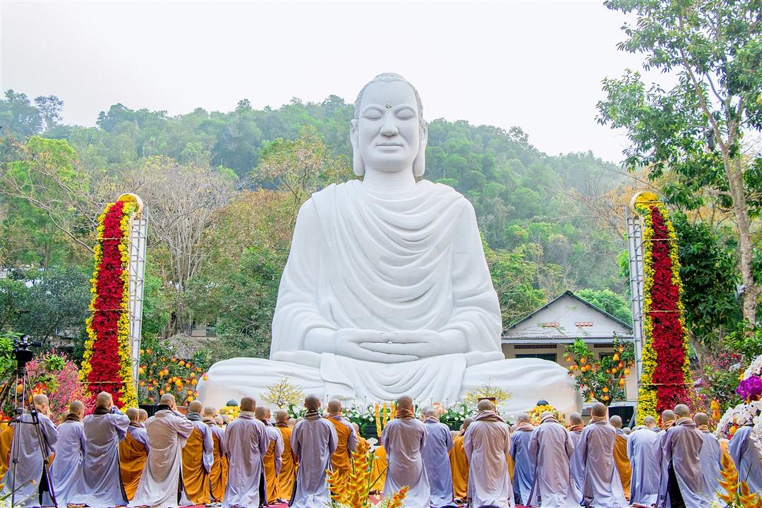 Chùa Thiền Tôn Phật Quang thường tổ chức những khóa tu cho các bạn trẻ về tham gia
