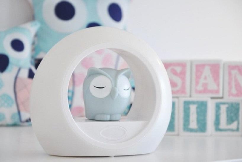 Đèn ngủ cảm biến giọng nói được thiết kế hình cú