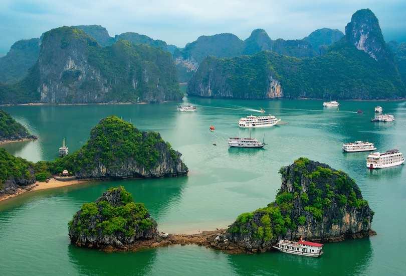 Vịnh Hạ Long với vẻ đẹp hùng vĩ của thiên nhiên