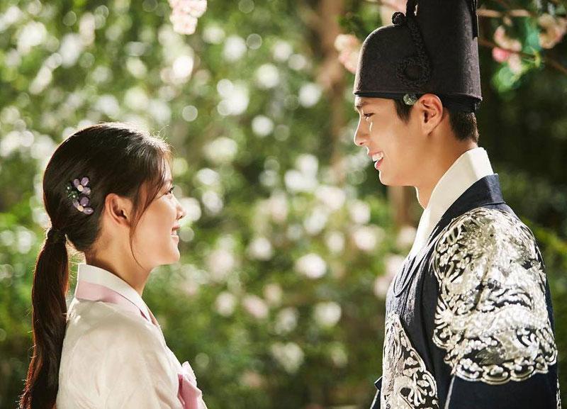 Park Bo Gum và Kim Yoo Jung vụt sáng thành sao hạng A sau khi tham gia bộ phim