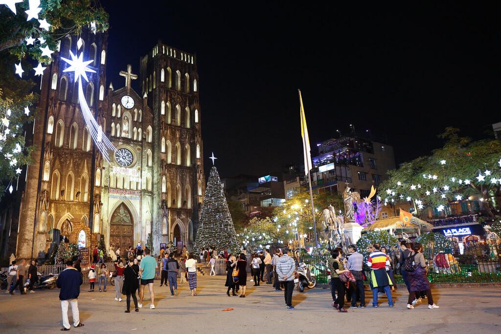 Nhà thờ lớn Hà Nội trong đêm Giáng Sinh