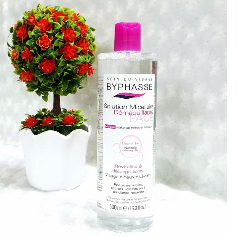 Nước tẩy trang Byphasse còn chứa các hoạt chất dưỡng ẩm siêu tốt cho làn da