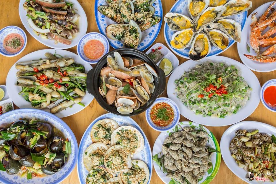 Món ăn chỉ được chế biến sau khi khách gọi, nên món ăn luôn nóng hổi thơm ngon.