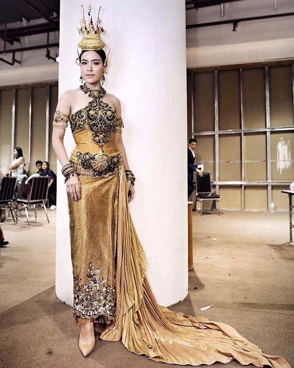 Quốc phục Thái Lan độc đáo.