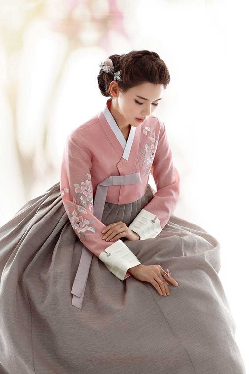 Hanbok, trang phục không thể thiếu trong đám cưới Hàn Quốc