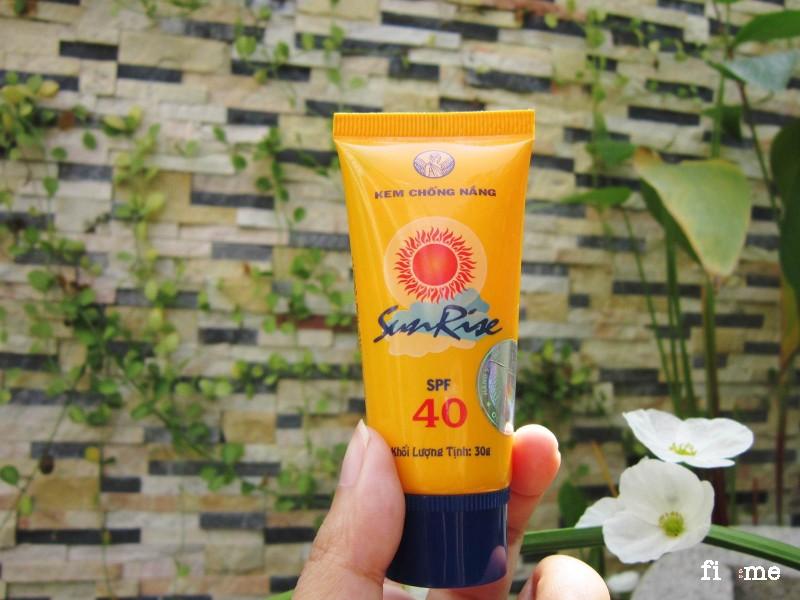 Kem chống nắng Thorakao nuôi dưỡng làn da khỏe mạnh.