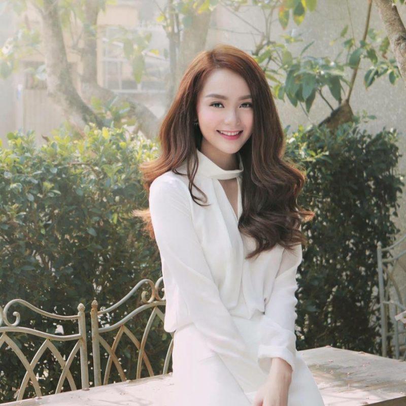 Ca sĩ Minh Hằng