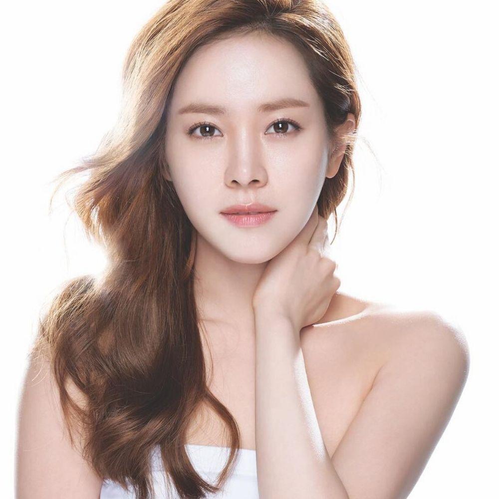 Mỹ nhân showbiz Hàn Quốc Han Ji Min