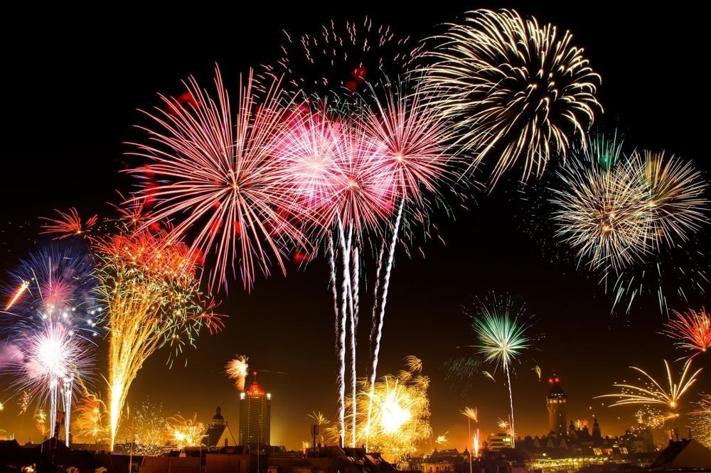 Giao thừa - thời khắc thiêng liêng chuyển giao giữa năm cũ và năm mới