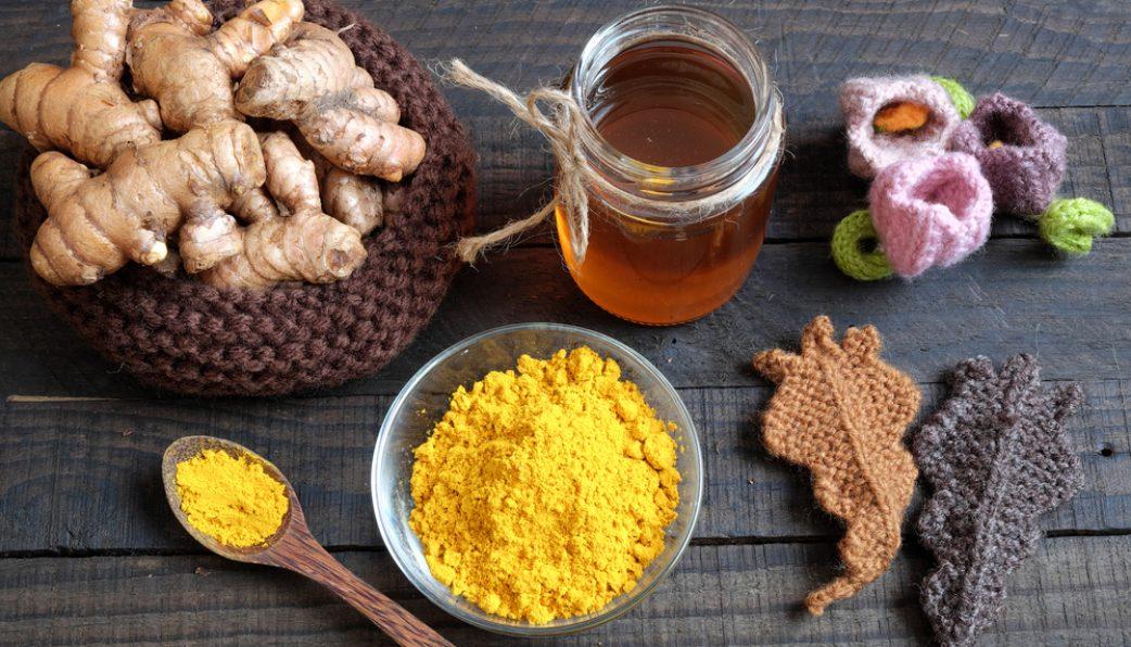 Hỗn hợp bột nghệ và mật ong tốt cho người viêm loét dạ dày