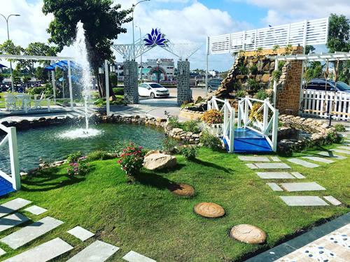 Lotus Coffre thu hút đông đảo khách du lịch với thiết kế hiện đại