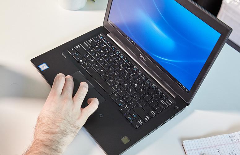 Bàn phím Dell Latitude E7280 có led phím hỗ trợ làm việc ban đêm