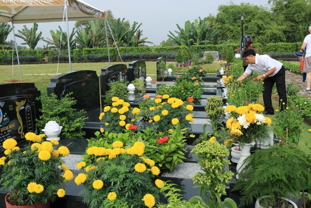 Tạ mộ cuối năm - phong tục đặc sắc trong ngày lễ Tết