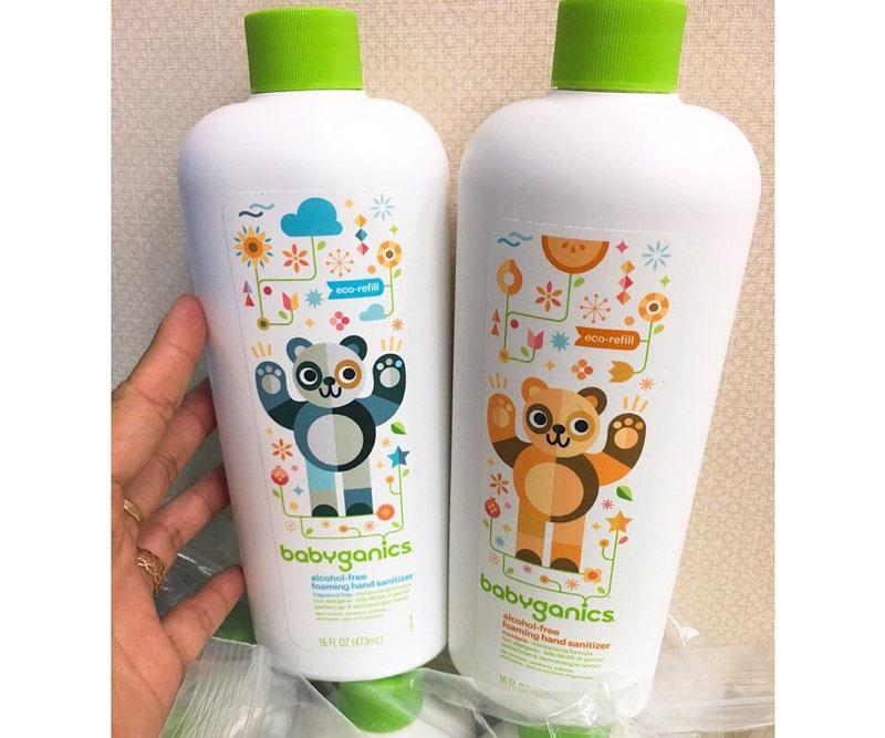 Nét đặc biệt của dung dịch rửa tay khô Babyganics chính là thích hợp với cả trẻ nhỏ trên 3 tháng tuổi