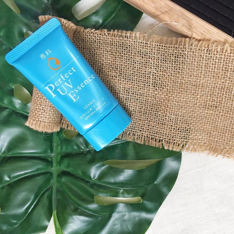chỉ số chống nắng vượt trội SPF 50+, PA++++ giúp bảo vệ da gần như suốt 8 giờ liền trước tia UVA và UVB gây hại.