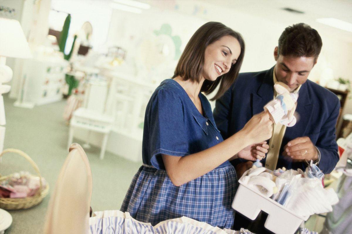 Giấy tờ tùy thân là điều quan trọng nhất mà mẹ bầu cần nhớ đầu tiên trong quá trình khi chuẩn bị đồ đi sinh cho mình