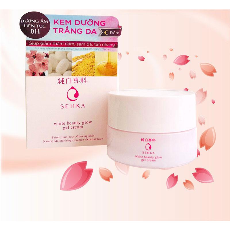 Chiết xuất hoa anh đào có khả năng làm sáng da nhờ công dụng ức chế hoạt động của các melamin, giúp se khít lỗ chân lông, chống oxi hóa hiệu quả