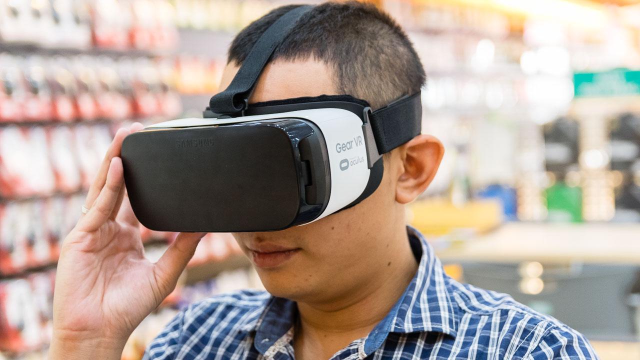 Kính thực tế ảo Samsung Gear VR