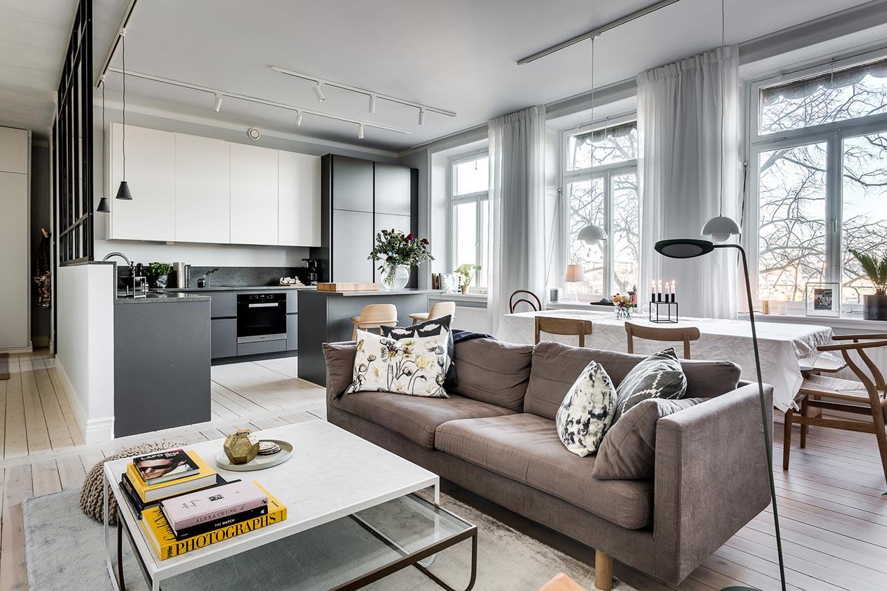 Không gian phòng khách đậm màu sắc Bắc Âu với nội thất nhập khẩu cao cấp.