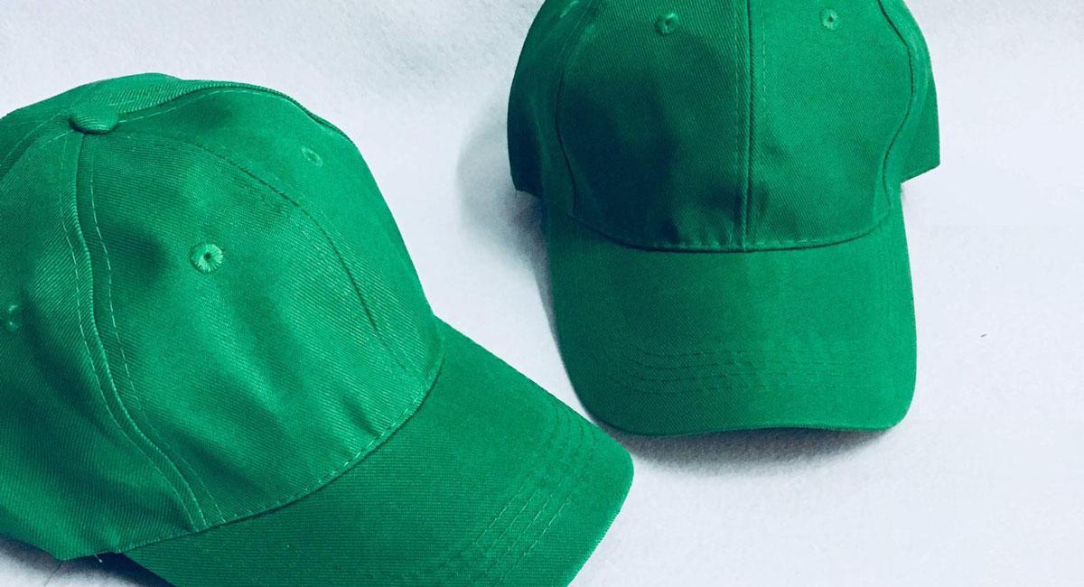 """ở Trung Quốc có phong tục này cũng là phát âm của chữ """"đội mũ xanh"""" tương tự với chữ """"cắm sừng"""""""