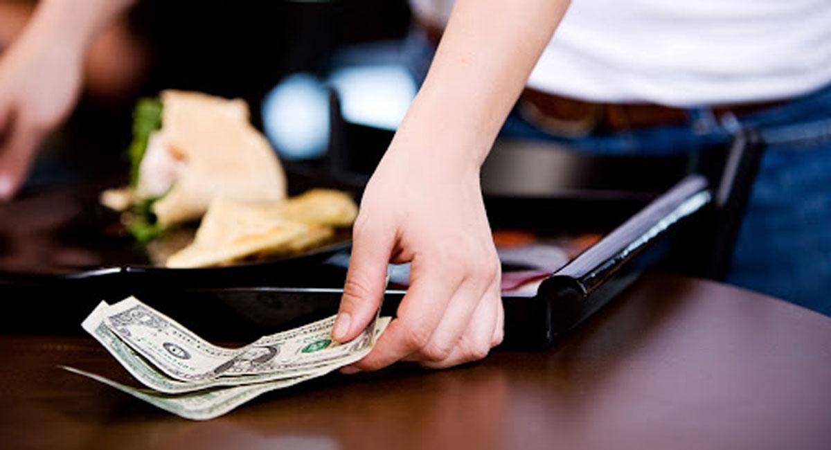 nếu bạn không cẩn thận dùng tiền tip ở Trung Quốc thì họ sẽ nhầm tưởng bạn đang thiếu tôn trọng họ.