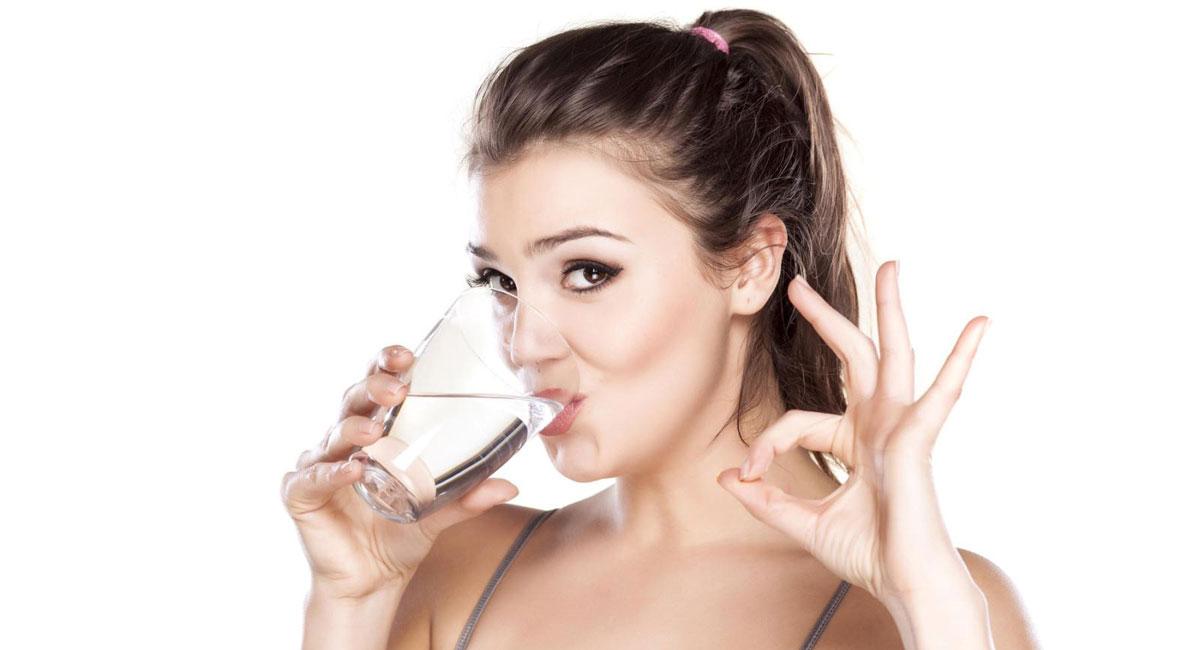 Ngoài ra, nước còn là chất bôi trơn quan trọng trong cơ thể, chúng xuất hiện nhiều tại các khớp nối, các cơ mặt, cơ miệng