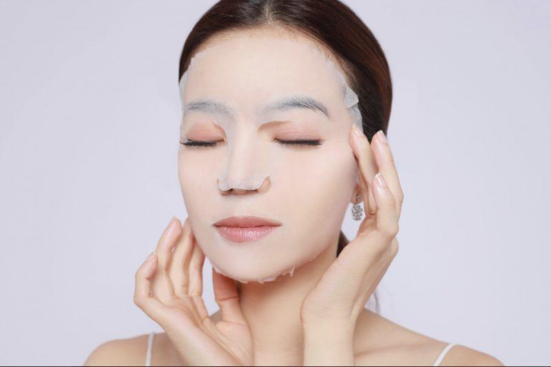 Sử dụng mặt nạ giấy giúp chăm sóc da tốt hơn