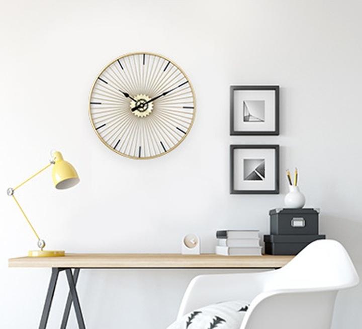 Đồng hồ phù điêu mạ vàng hình bánh xe