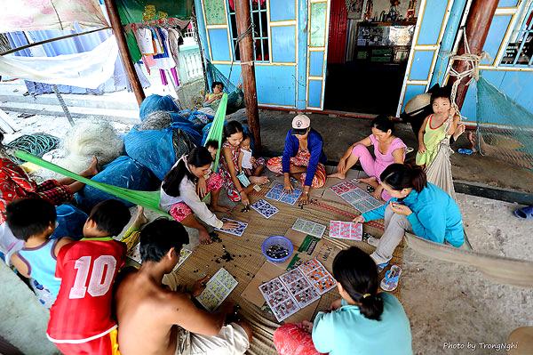 Trò chơi Lô tô dân dã và gần gủi với các gia đình và không phân biệt tuổi tác
