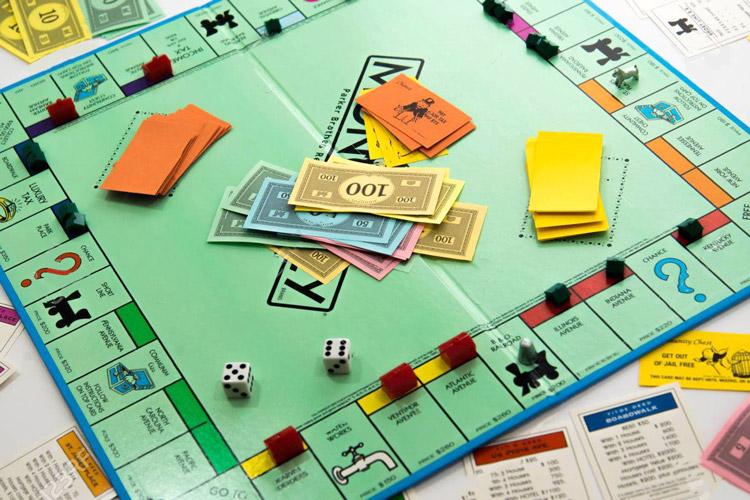 Cờ tỷ phú hay cờ triệu phú - Trò chơi học cách kinh doanh và làm giàu